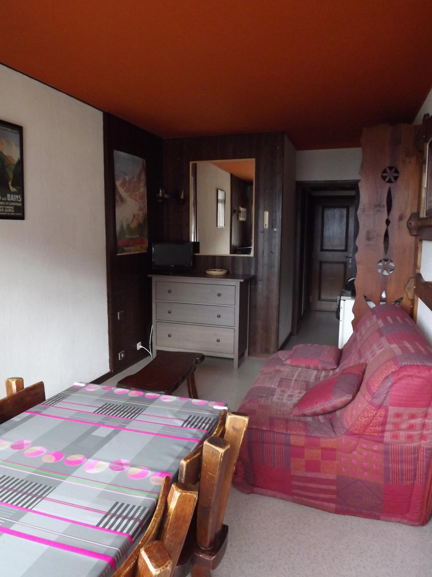 La Foret - Living room